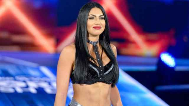 Billie Kay cleavages awesome pic