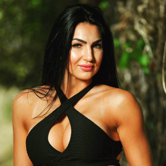 Billie Kay cleavages awesome pics (2)