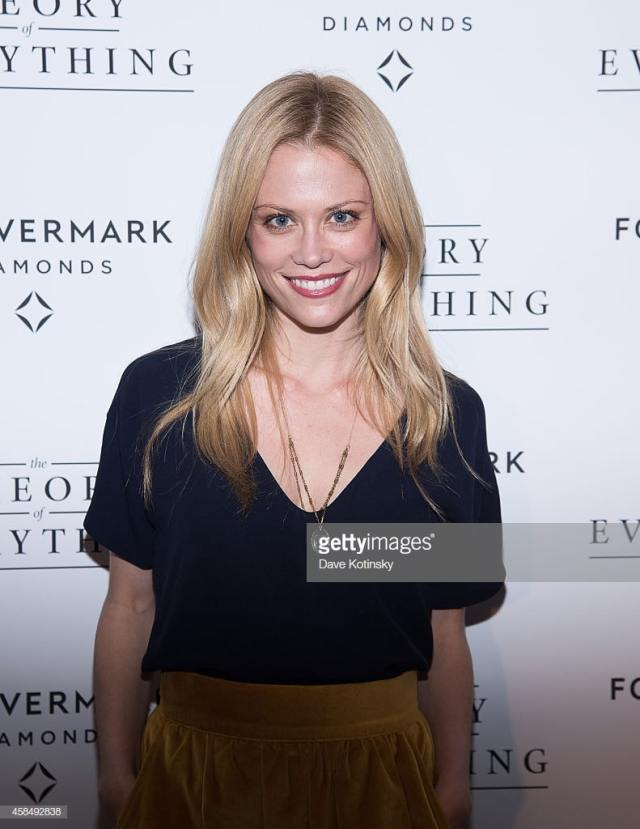 Claire Coffee hot smile (2)