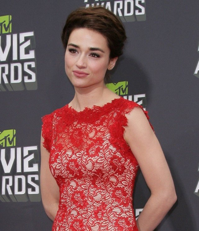 Crystal Reed sexy picture