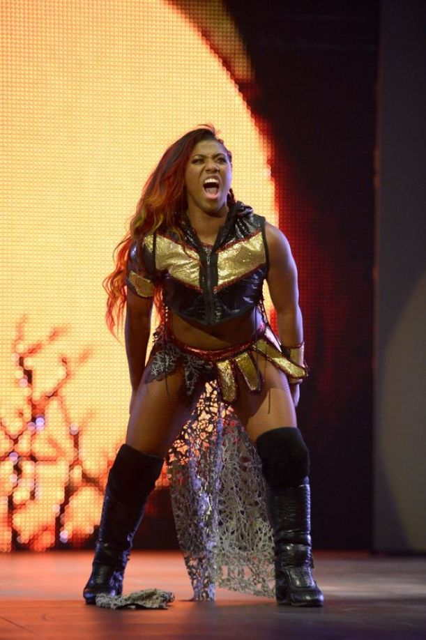 Ember Moon thigh awesome