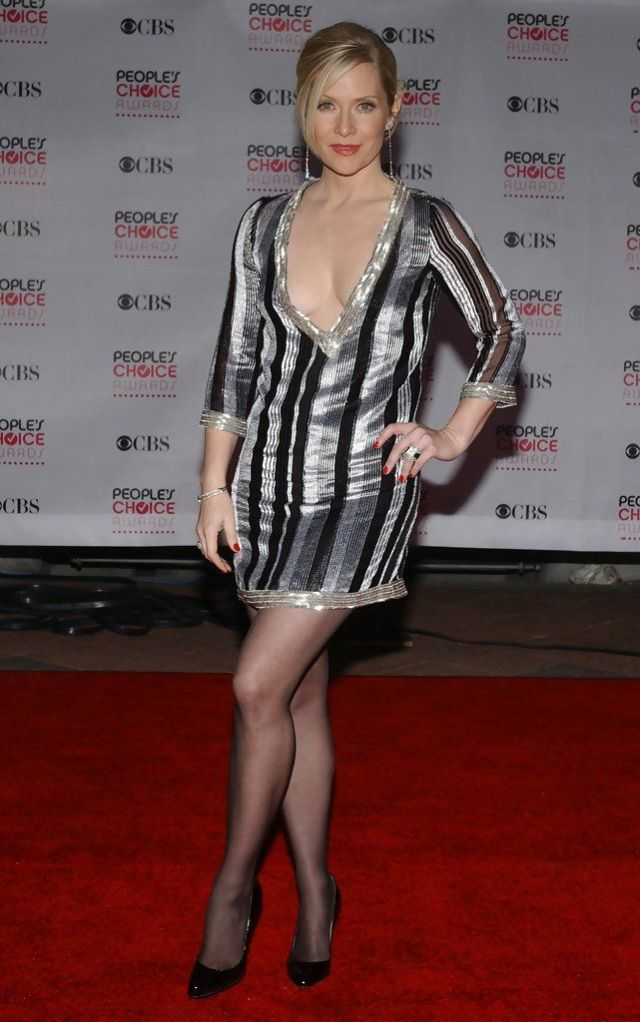 Emily Procter cleavage pic