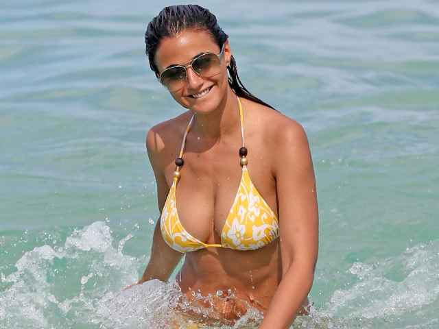 Emmanuelle Chriqui cleavages beautiful