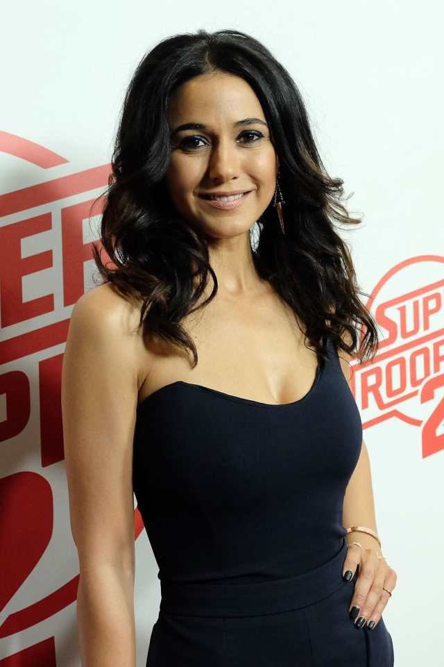 Emmanuelle Chriqui sexy black dtress