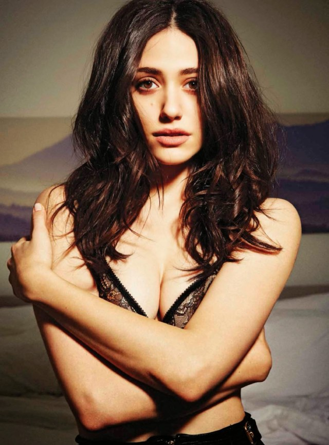 Emmy Rossum too hot clevage