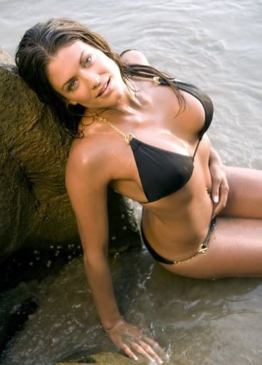Eve Torres Sexy Boobs Pictures in Black Bikini