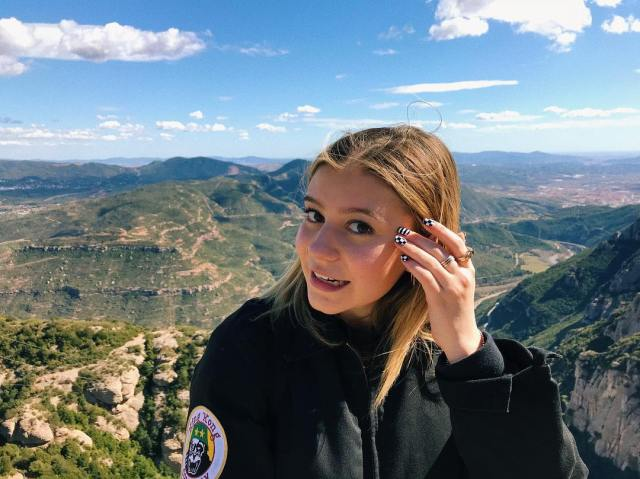 Genevieve Hannelius Beautifull Place