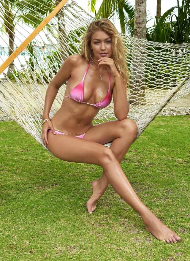 Gigi Hadid legs awesome (2)