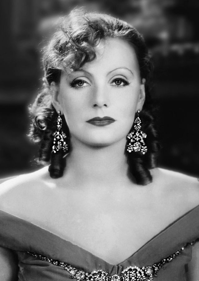 Greta Garbo sexy cleavages