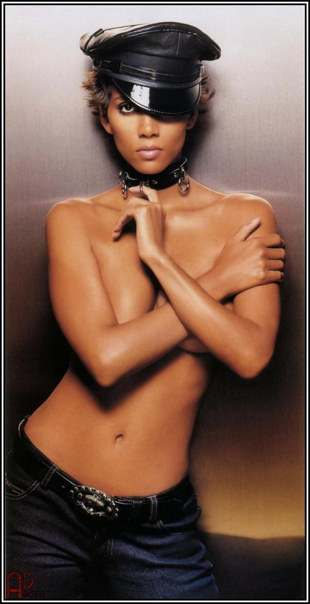 Halle Berry Sexy Boobs Pictures Topless