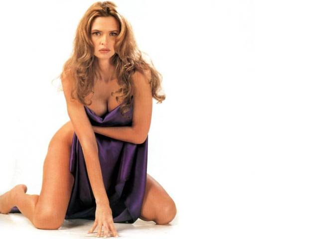 Heather Graham hot nude pic