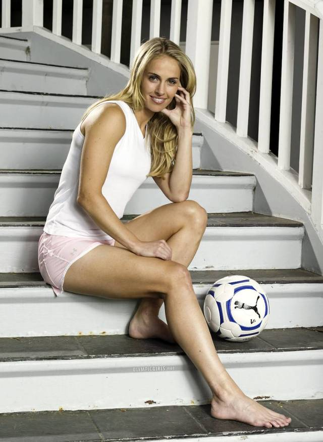 Heather Mitts awesome feet (2)