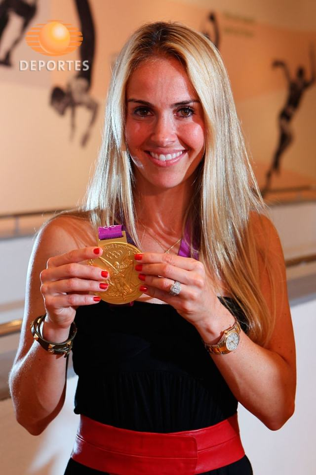 Heather Mitts sexy hair (2)