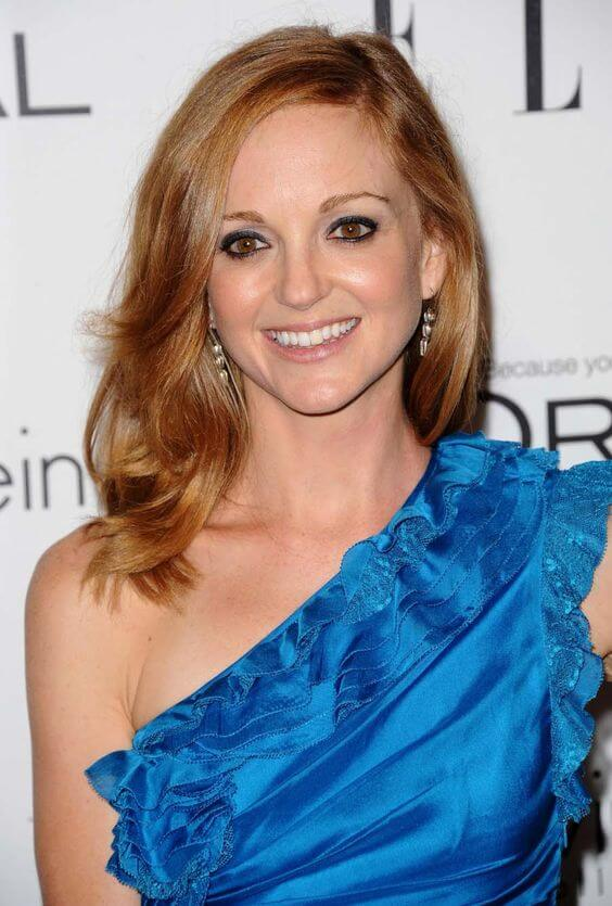 Jayma Mays hot cleavages