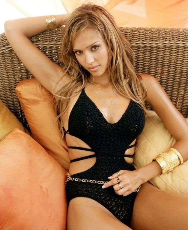 Jessica Alba Hot in Black Bikini
