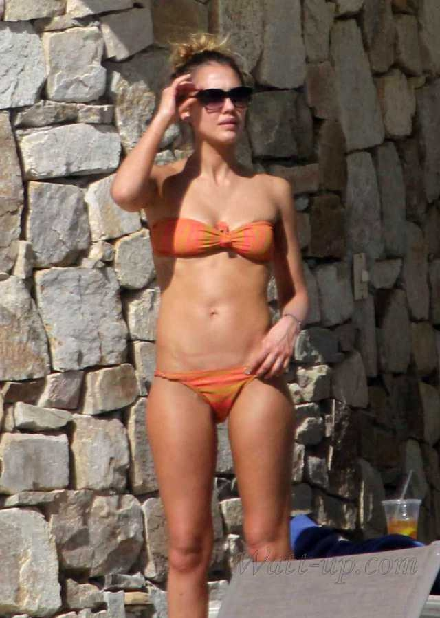 Jessica Alba Hot in Orange Bikini