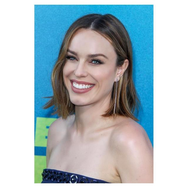 Jessica Mcnamee very sexy picture