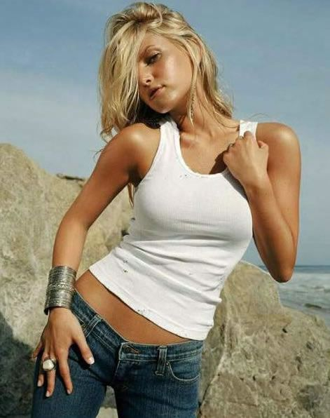 Jessica Simpson on Photoshoot