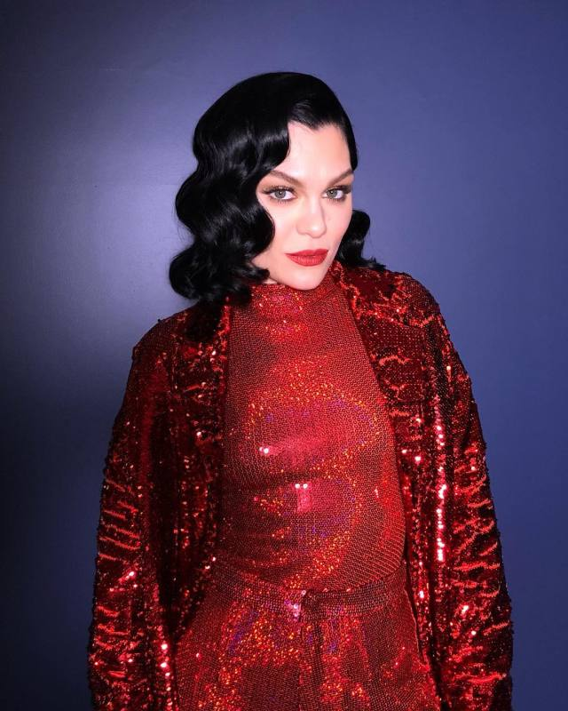 Jessie J Hot in Red Lips