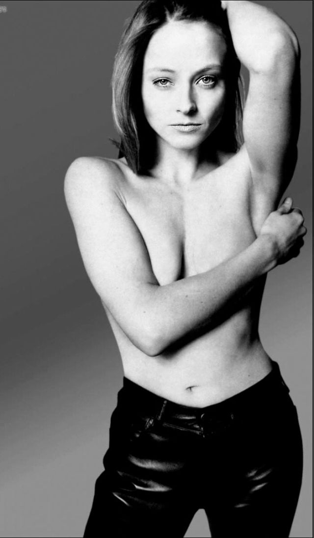 Jodie Foster topless pic