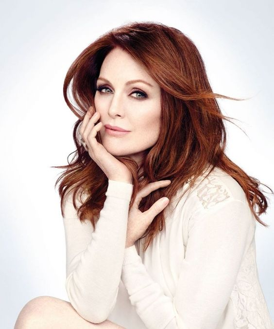Julianne Moore sexy and hot pic