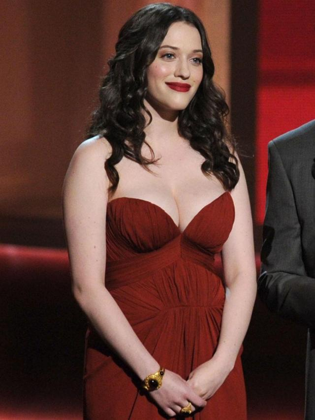 Kat Dennings hot boobs
