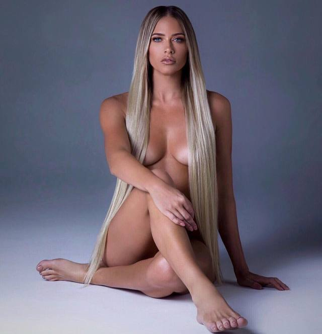Kelly Kelly hot nude pic