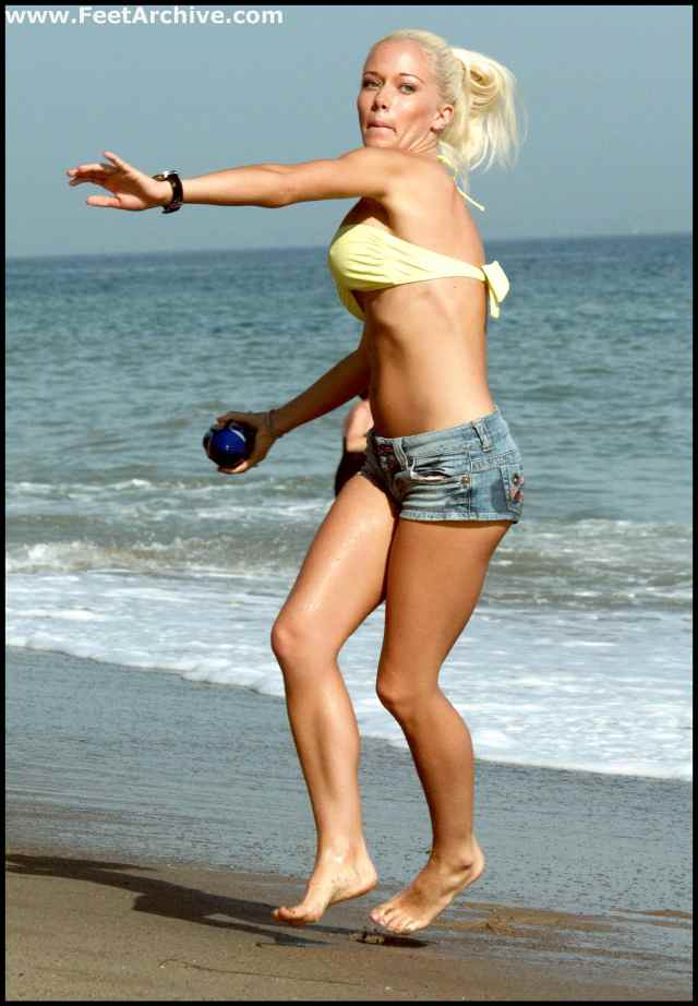 Kendra Wilkinson awesome pics