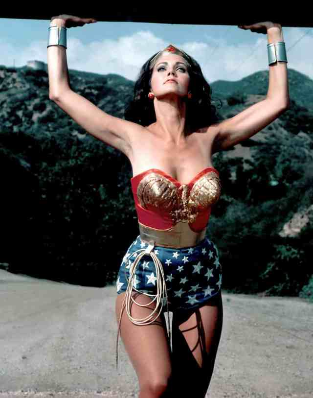 Lynda Carter hot photo (3)