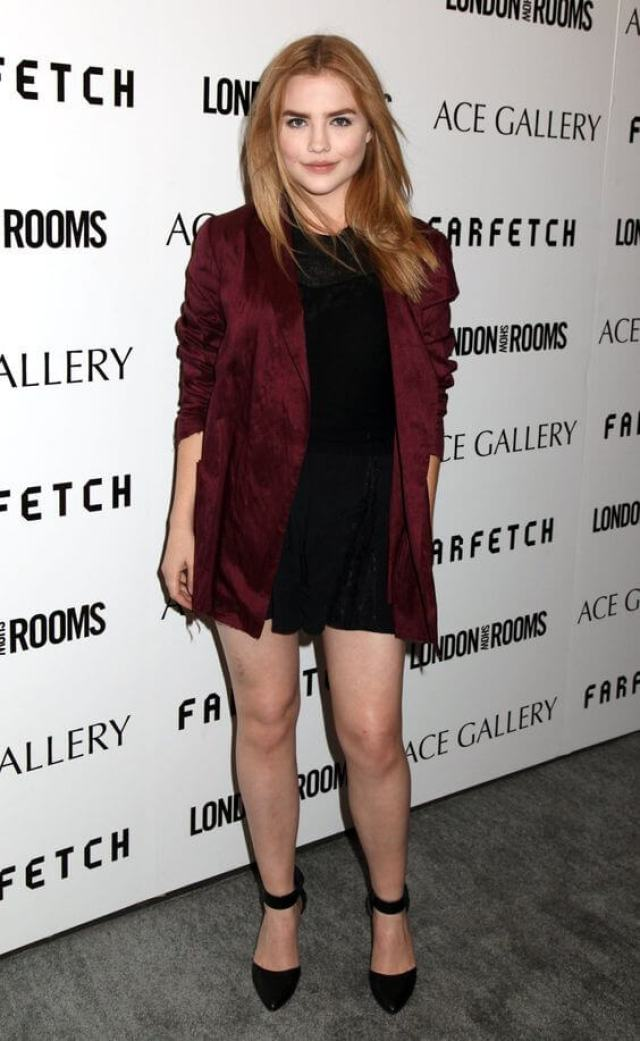 Maddie Hasson hot legs