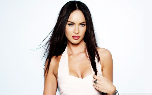 Megan Fox cleavages sexy
