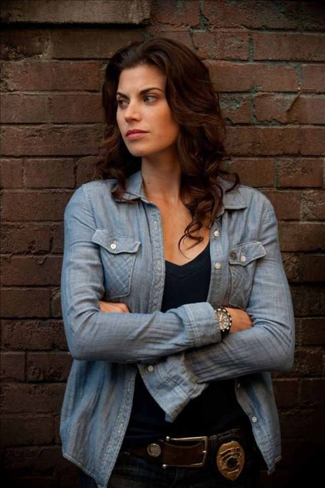 Meghan Ory hot cleavages (2)