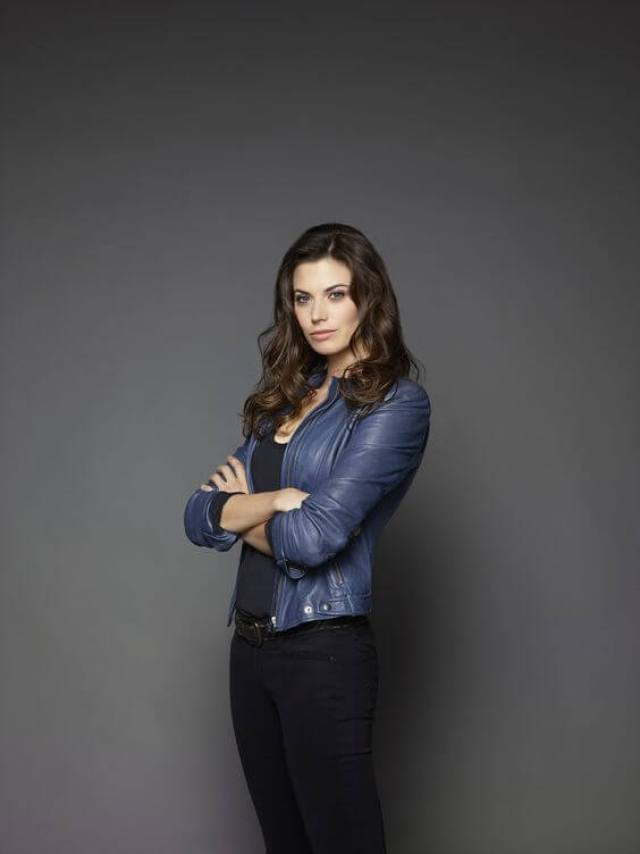 Meghan Ory hot pictures