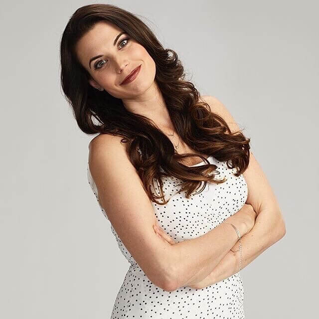 Meghan Ory sexy picture (2)