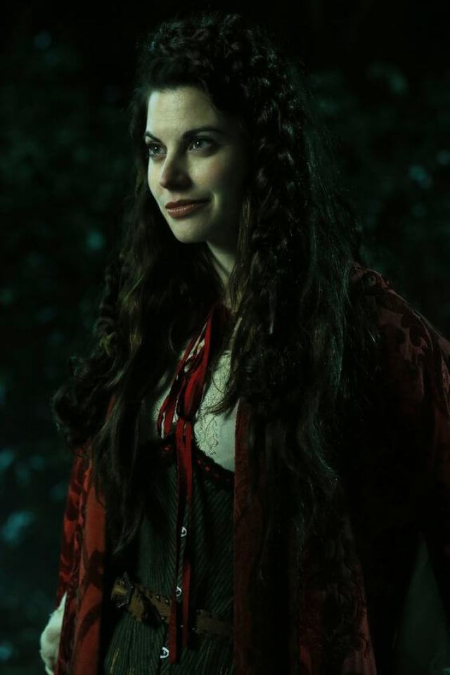 Meghan Ory sexy pictures (2)