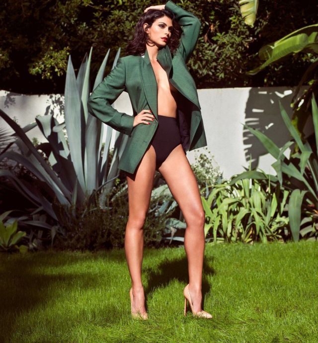 Morena Baccarin sexy lady pic