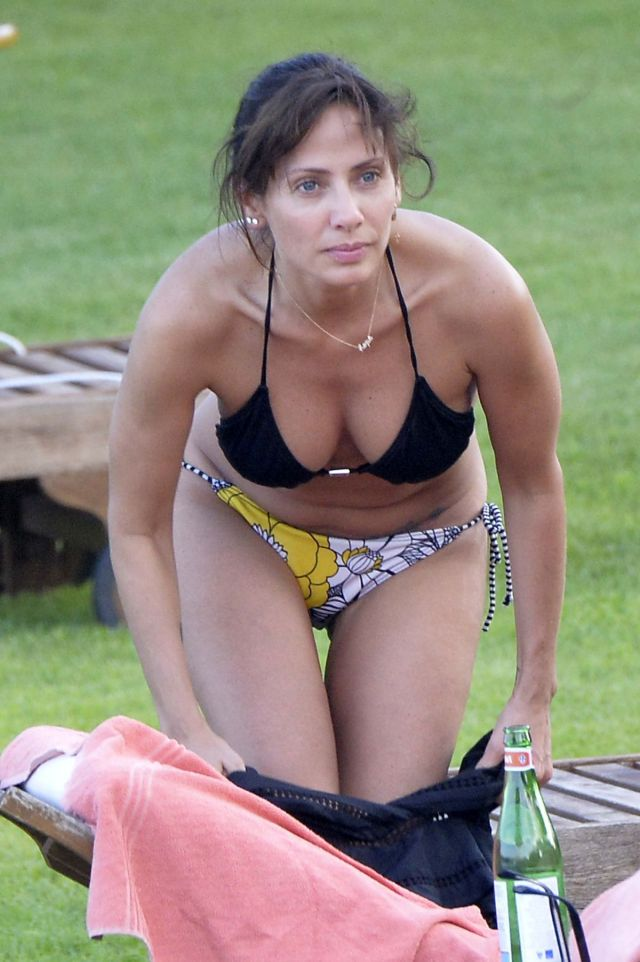 Natalie Imbruglia hot clevage pic