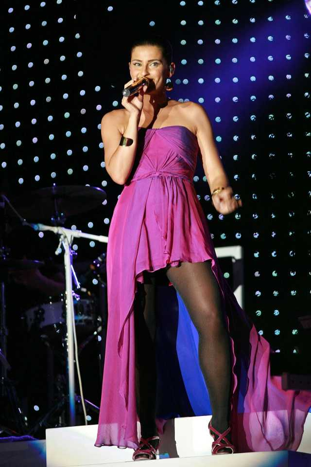 Nelly Furtado beautiful pictures (2)