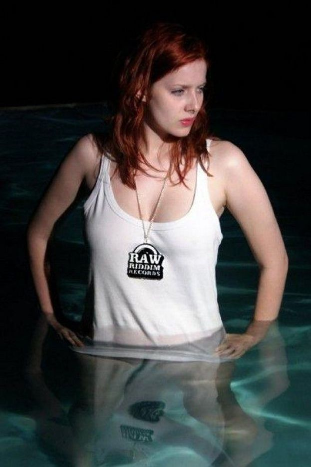 Rachel-Hurd-Wood cleavages hot pictures