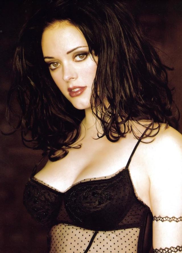 Rose McGowan sexy picture