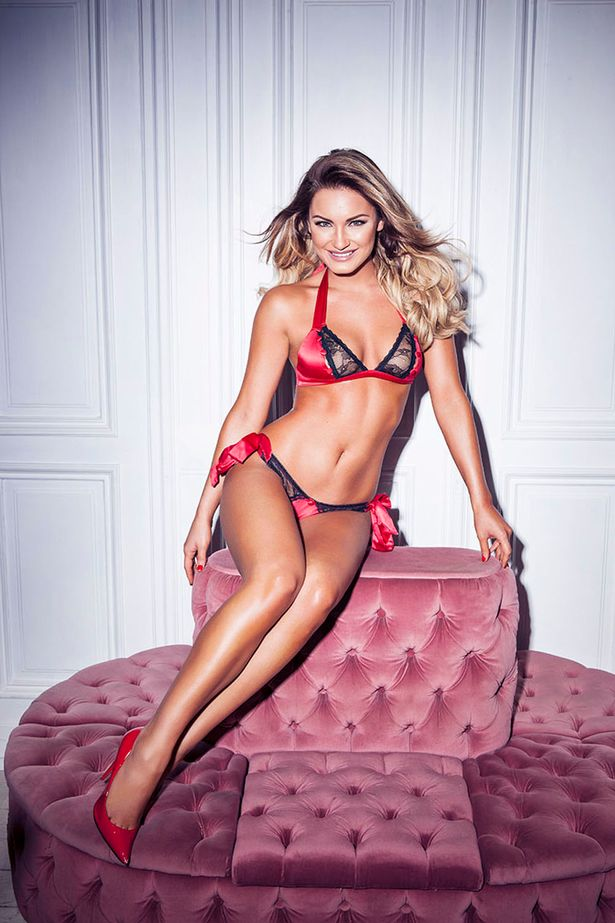 Sam Faiers hot cleavages