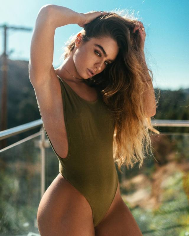 Sommer Ray Sexy