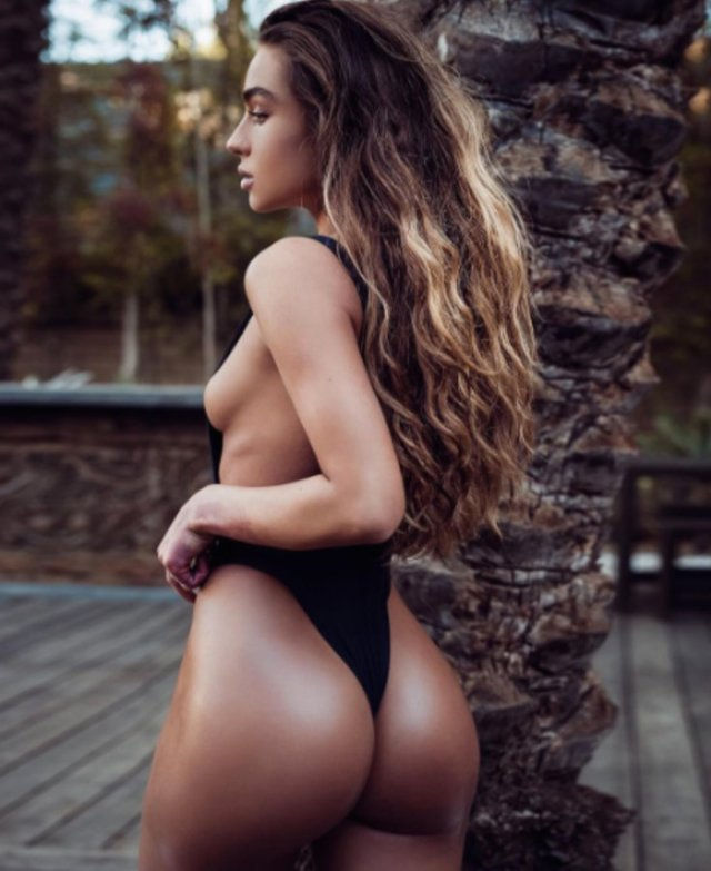 Sommer Ray Sexy Butt