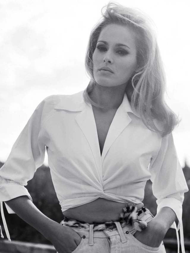 Ursula Andress hot picture (3)