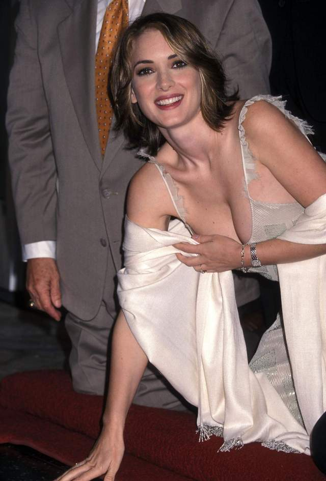 WINONA RYDER cleavage pictures