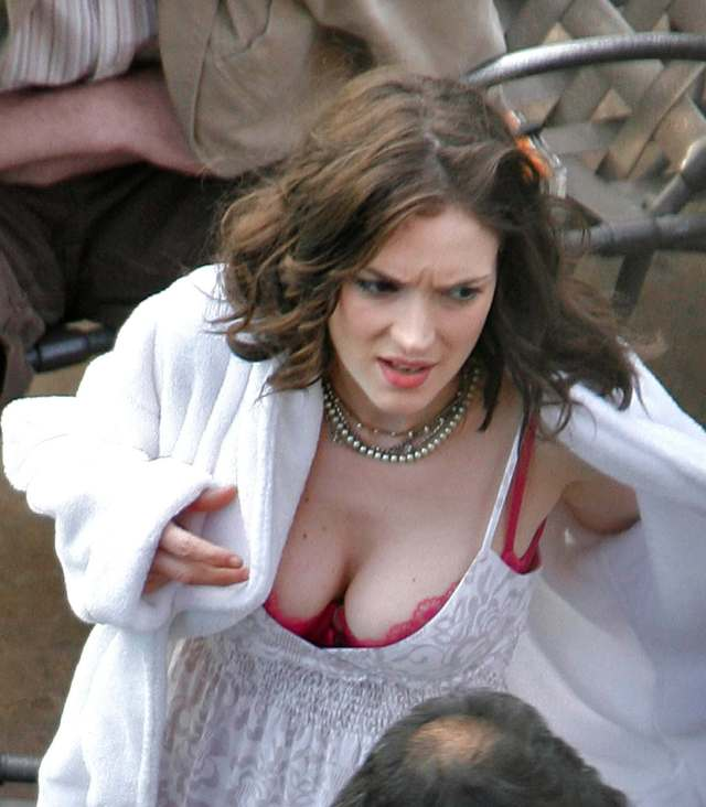 WINONA RYDER hot cleavage photo
