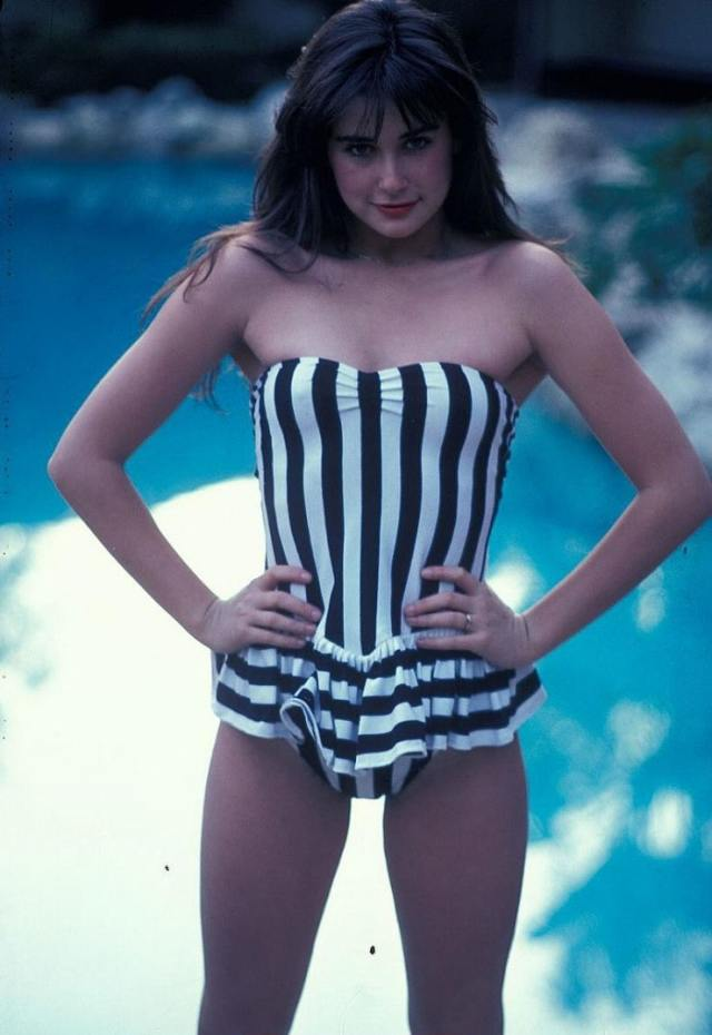 demi-moore- swimsuit sexy