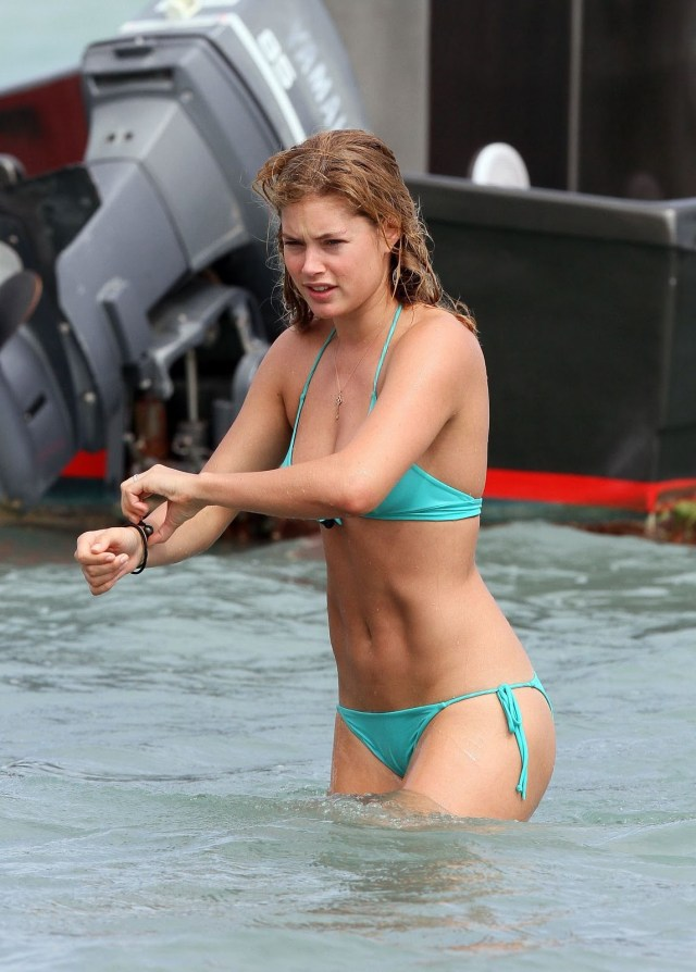 doutzen kroes sexy wet look