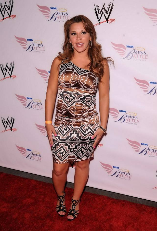 mickie james hot pictures
