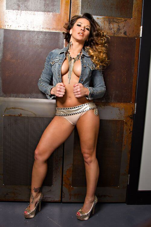 mickie james hot thighs